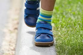 Необходима ли специализированная ортопедическая обувь для здоровых детей?